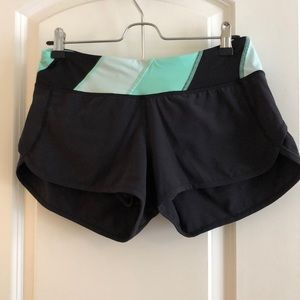 "Lululemon speed short 2.5"" size 4"